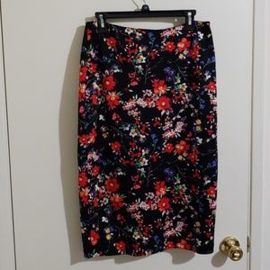 Long floral stretchy skirt